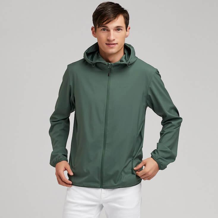 mặc áo khoác màu gì để chống nắng