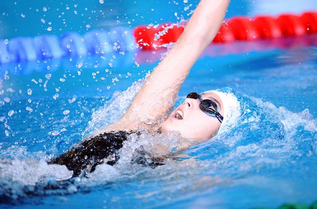 bơi lội có giảm mỡ bụng không